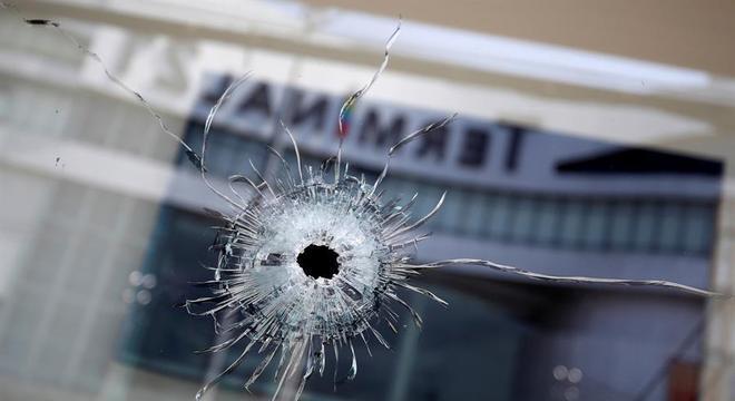 Tiroteio em shopping na Tailândia deixou 30 mortos, incluindo o autor do ataque