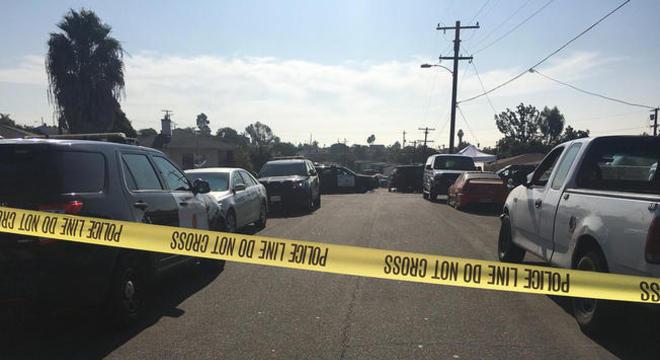 Cinco pessoas morreram, entre elas três delas crianças, após terem sido baleadas, dentro de uma casa na cidade de San Diego