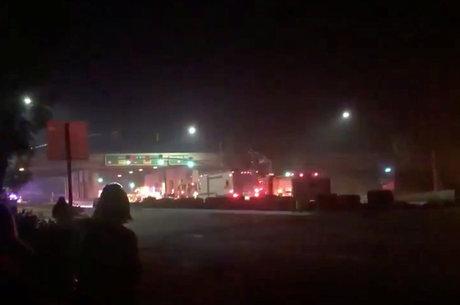 Suspeito atirou bombas de fumaça antes de abrir fogo