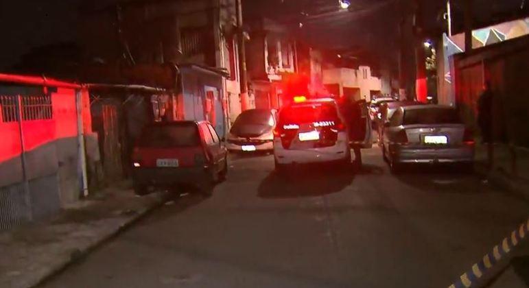 Homem é mantido refém em comunidade de SP após sequestro relâmpago