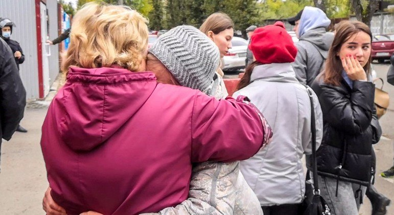 Tiroteio em universidade na Rússia mata ao menos seis pessoas