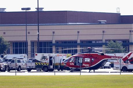 Pelo menos 12 ficaram feridos em tiroteio no Texas