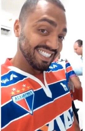 Tirullipa - ator/humorista - times do coração: Fortaleza e Flamengo