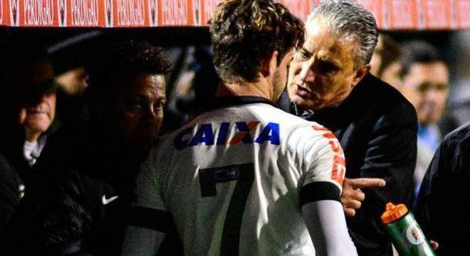 Tite nunca quis Pato no Corinthians. Reserva de R$ 22 milhões em salários