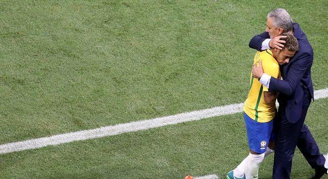 Neymar usa e abusa da proteção desenfreada de Tite. Rejeição só cresce