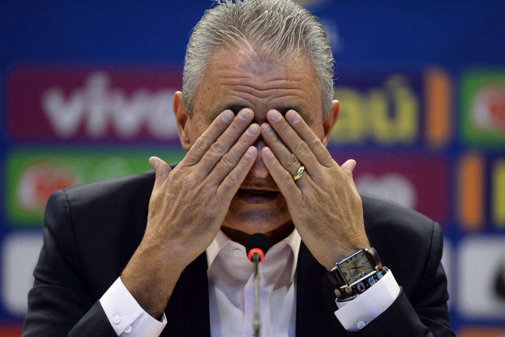 Estratégia da Globo. Fingir que a 'sua' Seleção Brasileira joga hoje contra o Peru
