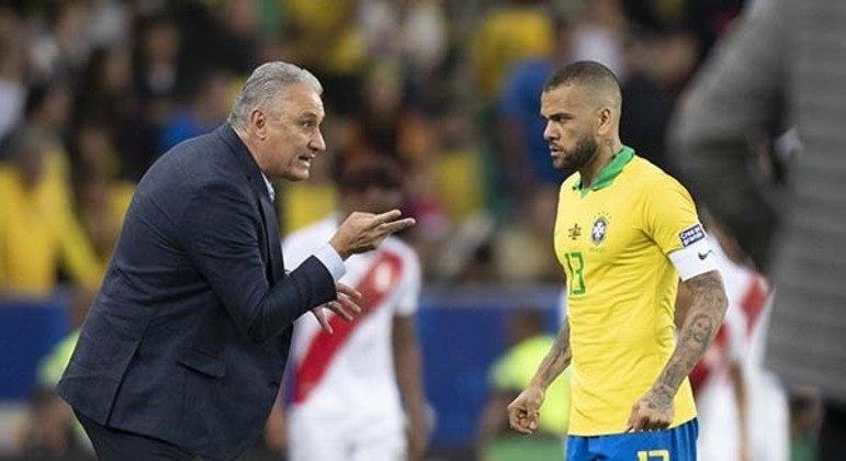 Tite queria Daniel jogando como lateral no São Paulo. O chamou para ser titular e capitão