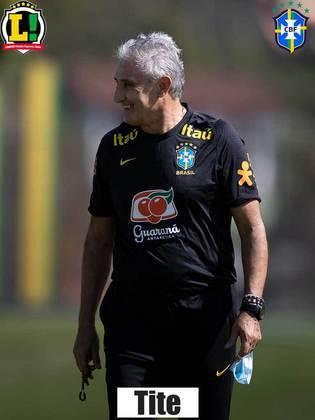 Tite - 5,5 - Apesar da vitória, a seleção brasileira fez uma de suas piores partidas sob seu comando. O Brasil teve a posse mas foi pouco objetivo em campo. Porém, fez boas alterações e os jovens deram velocidade ao time.