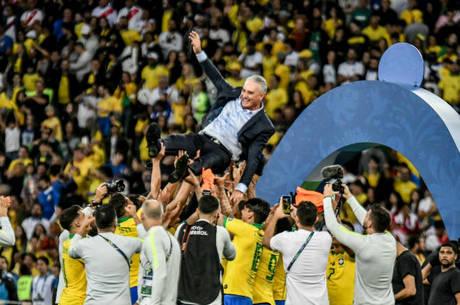 Seleção brasileira defende título da Copa América