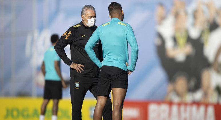 Seleção brasielira, de Tite e Casemiro, treina no CT do Corinthians para partidas das Eliminatórias