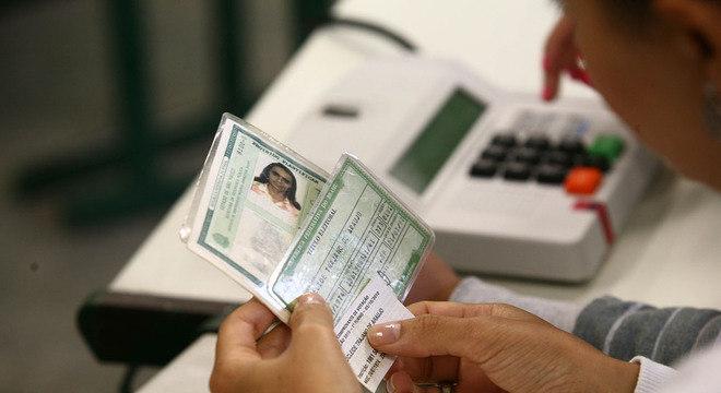 Em 2018, metade dos eleitores ainda usará documentos para votar