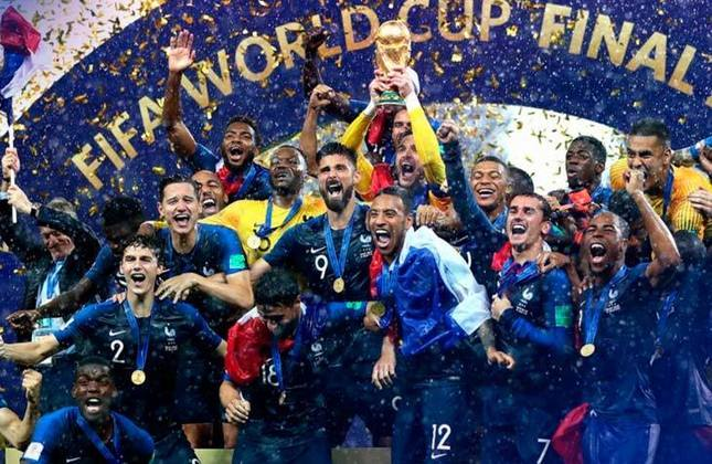 Títulos conquistados: Copa do Mundo de 1984, Copa do Mundo de 2018 (foto), Eurocopa de 1984 e Eurocopa de 2000