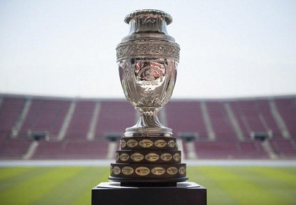 Títulos de Copa América por cada seleção: 1º - Uruguai (15 títulos) - 2º: Argentina (14 títulos) - 3º: Brasil (9 títulos) - 4º: Peru (2 títulos) - 5º: Paraguai (2 títulos) - 6º: Chile (2 títulos) - 7º: Colômbia (1 título) - 8º: Bolívia (1 título)