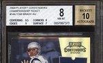 Para efeito de comparação, Tom Brady, considerado o maior jogador de futebol americano de todos os tempos por muitos, teve seu cartão de sua temporada de estreia vendido por R$ 12 milhões em um leilão virtual. Esse foi o preço mais alto já pago por um cartão da futebol americano