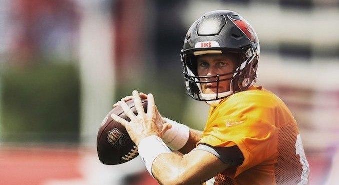 Tom Brady, agora com o Tampa Bay Buccaneers, está em busca do sétimo título da NFL
