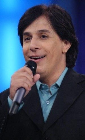 Tom Cavalcante diverte o público da Record TV com os seus personagens