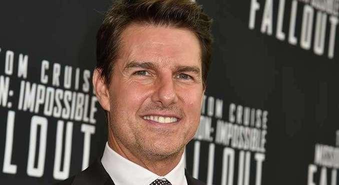 Tom Cruise devolve prêmios do Globo de Ouro como forma de protesto