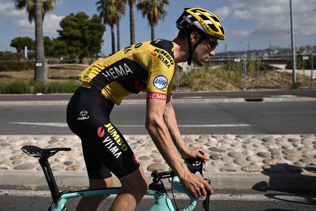 Tom Dumoulin:  o holandês é um dos mais completos ciclistas da atualidade e, ao trocar a Sunweb pela Jumbo Visma,  passou a ter o que sempre faltou nos últimos anos: uma equipe de gregários para auxiliá-lo. O que pega é que ele está no mesmo time de Roglic, que pode ter a preferência na hora H.