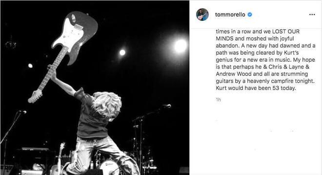 "Tom Morello homenageando ""Kurt Cobain"""
