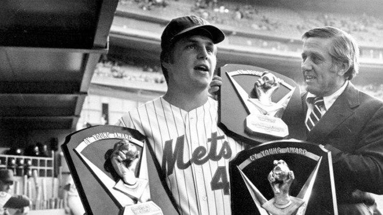 Tom Seaver, ex-jogador de beisebol, faleceu em setembro, com coronavírus. O astro do New York Mets estava com 75 anos.