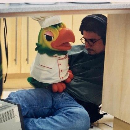 O papagaio foi desenvolvido por Ana Maria ainda na época em que os dois trabalhavam na emissora. Em entrevista ao projeto Memória Globo, a apresentadora contou que a criação ocorreu devido à necessidade de integração com o programa infantil que antecedia oNote e Anote