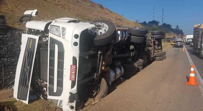 Caminhoneiro infartou no volante e morreu no local
