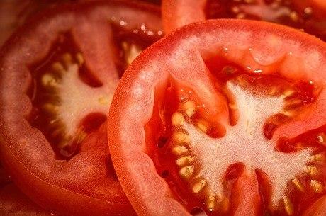 Tomate ficou mais barato no período