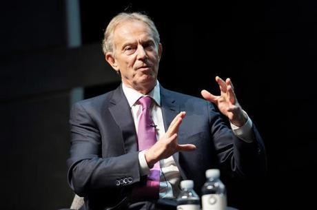 Blair alerta para riscos da falta de acordo para o Brexit