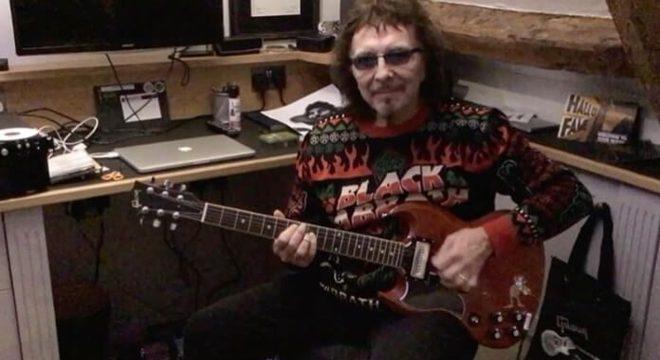 Tony Iommi toca Black Sabbath e deseja um Feliz Natal aos fãs