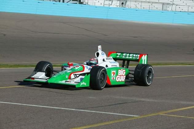 Tony Kanaan conquistou o título de 2004 da IRL pela Andretti