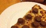 Pizza trufadaBombou no HORA 7!'Monstrinho' encontrado em bosque choca a web enquanto se alimenta