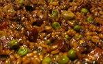 O sábado à noite também é motivo para um verdadeiro festival gastronômico na casa do chef, com Arroz Meloso de Chorizo Espanhol!