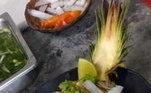 Taty Albano, que deixou saudade no Top Chef Brasil, ensinou essa receita tropical para impressionar os convidados! O prato de abacaxi com camarão à moda Thai é de dar água na boca. Confira como fazer!