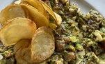 Para o filho Antônio, Felipe Bronze preparou em pleno domingão um Tartare de Atum com Batata Frita!