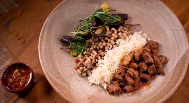 A receita Picadinho da Vó da chef Maiara se destacou no Desafio de Eliminação