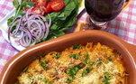 Cristiane Jorge revelou todo o seu talento para a cozinha em um delicioso macarrão com atum!