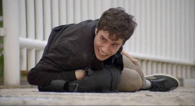 Vitor é baleado na perna pelo homem que sofreu a tentativa de assalto
