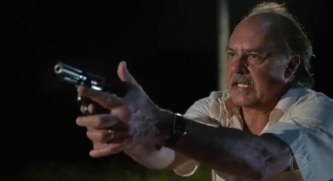 Zeca marca encontro com Rafael e ameaça matá-lo