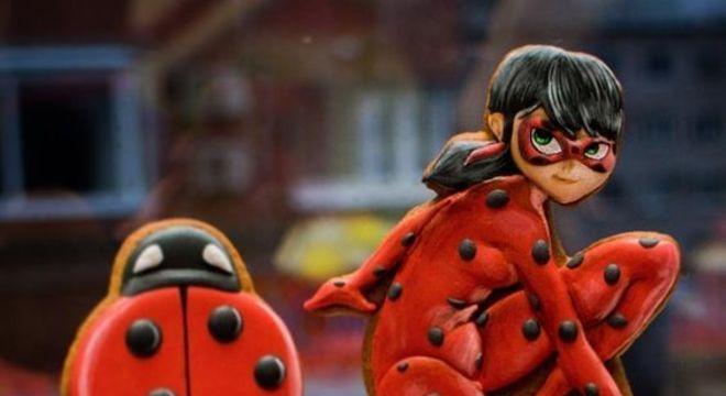 Topo de bolo para festa ladybug