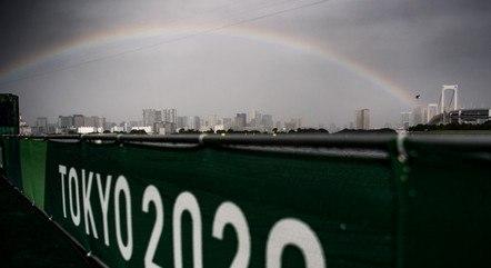 Tempestade tropical se aproxima de Tóquio