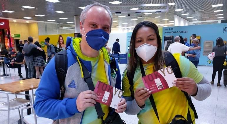 Jaqueline Ferreira e seu técnico embarcam para Tóquio
