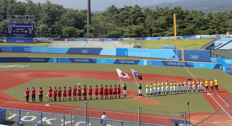 Japão e Austrália jogam partida de abertura do torneio de softbol da Olimpíada de Tóquio