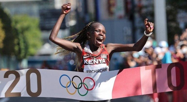Peres Jepchirchir ganhou a maratona feminina da Olimpíada de Tóquio