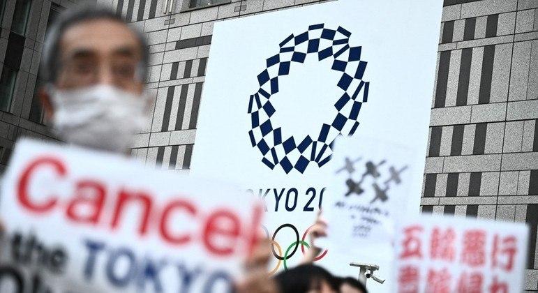 Manifestantes pedem o cancelamento dos Jogos Olímpicos de Tóquio, em 2021