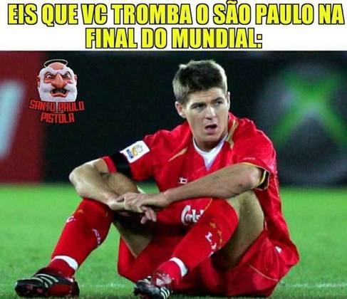 Torcedores do São Paulo agitam a web com reprise do título de 2005 sobre o Liverpool
