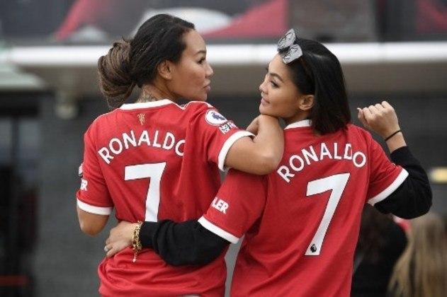 Torcedores vestiram a camisa de Cristiano Ronaldo neste sábado