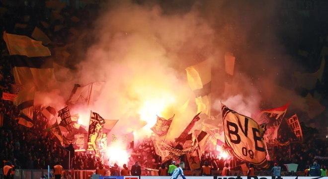 Torcida do Borussia Dortmund é uma das mais animadas no esporte