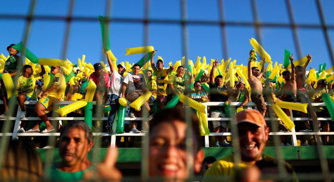 Torcida do Defensa y Justicia estava animada com partida pela Copa Libertadores