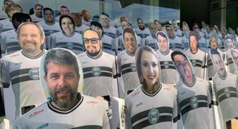 No estádio sem público, a torcida virtual do Coritiba