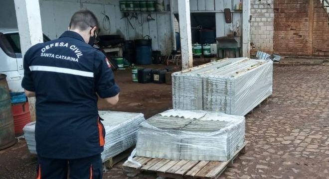 Defesa Civil de SC organiza doações para famílias atingidas por tornado